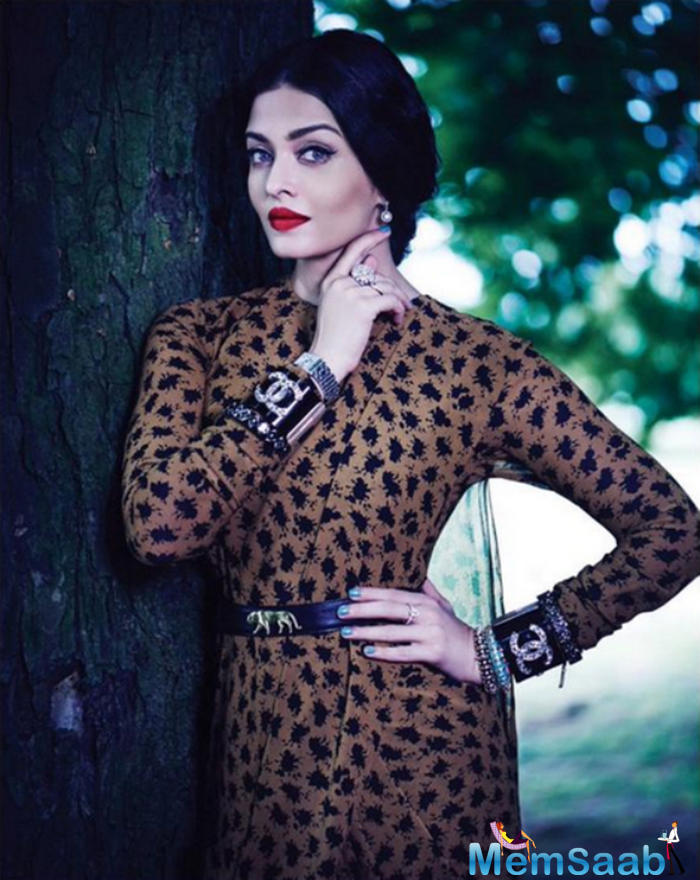 Aishwarya Red Lips Stunning Pic In The Creation Of Sabyasachi