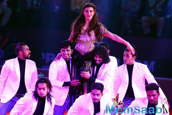 Jacqueline And Her Dance Partners Ended Their Performance With The Title Track Of  'Chak De, India