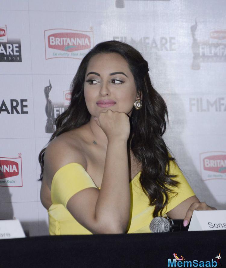 Sonakshi Sinha Said Ranveer Will Win All Awards For Bajirao Mastani