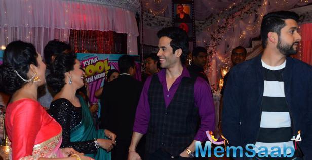 Tusshar And Anita Fun Still During The Kya Kool Hain Hum 3 Promotion