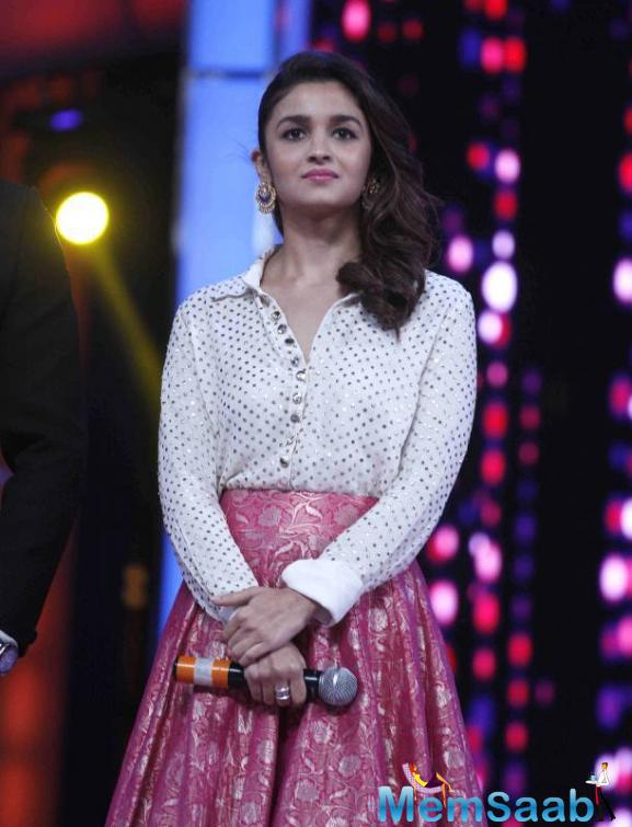 Cutie Alia Bhatt Wearing Her Pink Silk Lehenga With A White Sequined Blouse