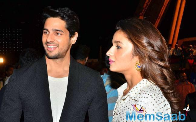 At the Umang Mumbai Police Show 2016 Bolly wood actressAlia Bhatt and  actor Sidharth Malhotra who are  in a relationship were snapped together