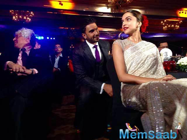 Star Ranveer hijacked  co-star Deepika Padukone's moment, when she was being awarded Actor of the Year.