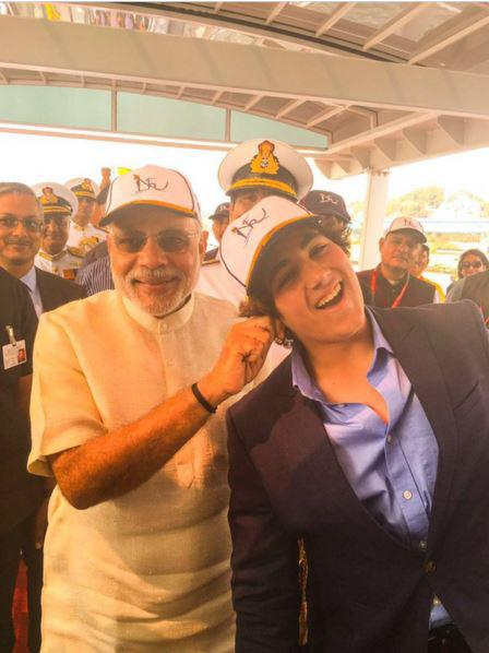 Prime Minister Narendra Modi, who recently pulled the Akshay son Aarav's ear and called him a