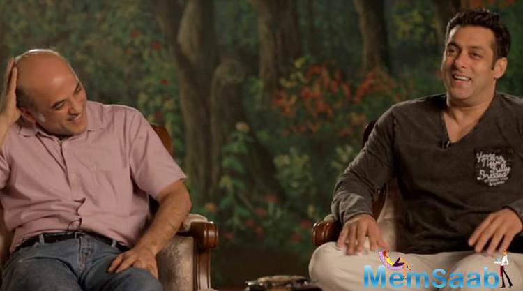 Salman Khan and Sooraj Barjatya had done together many blockbusters including Maine Pyar Kiya and Hum Aapke Hain Kaun, Hum Saath Saath Hain and recently we enjoyed Prem Ratan Dhan Payo.
