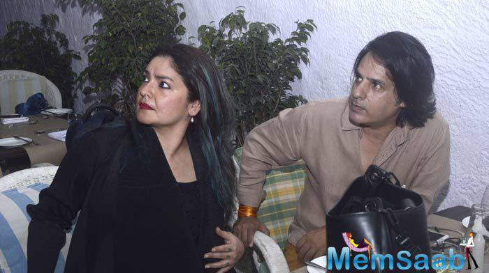 Rahul Roy who is famous for 1990 musical-blockbuster 'Aashiqui' now will  give a special Appearance in Richa Chadha-starrer 'Cabaret'and will re-create his famous 'Aashiqui' pose with a jacket on top.