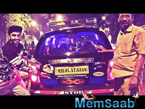 Ranveer Singh Promotes Deepika's 'xXx the return of Xander Cage' movie on Mumbai Streets.
