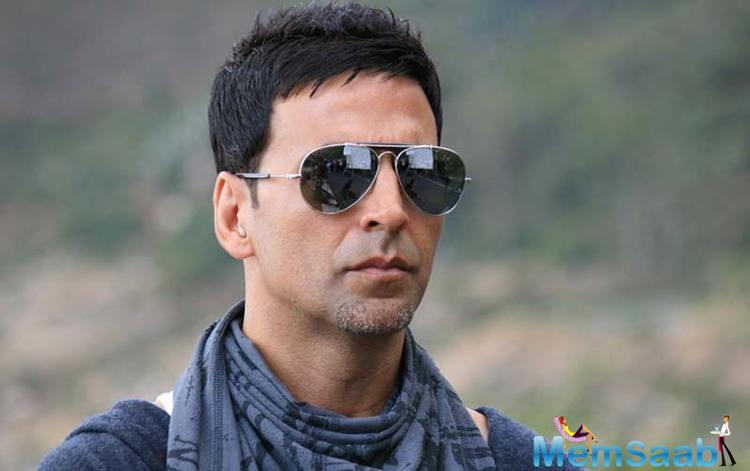 Bollywood superstar Akshay Kumar ,who recently seen in 'Air Lift ', has also proven his patriotic feeling about his country through this movie.