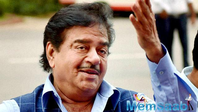 Anything But Khamosh: The veteran actor Shatrughan Sinha biography by Bharathi S Pradhan was launched in Mumbai on February 19