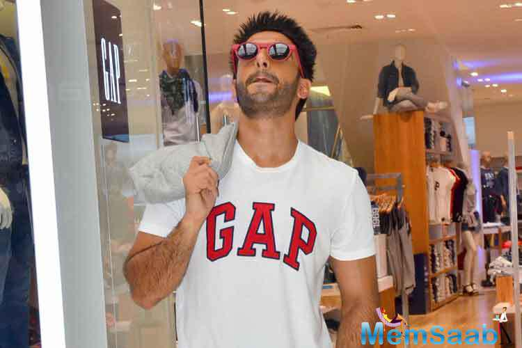 Ranveer Singh, who always manages to grab anyone's attention towards himself for his quirky and eclectic fashion sense, said, he is not brand conscious, he is well aware of the brands.