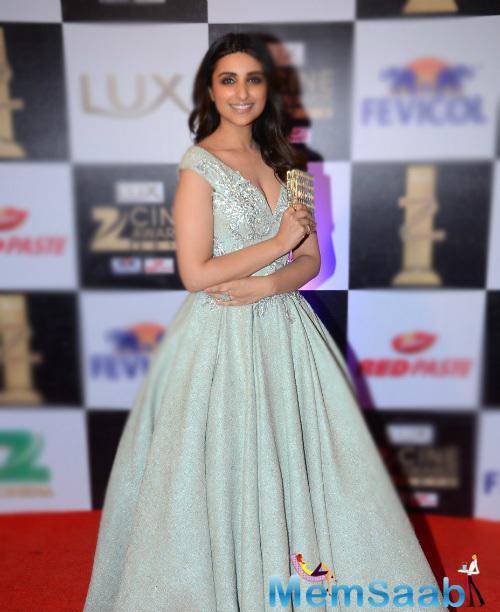 Parineeti Chopra will be next seen in Mari Pyari Bindu, has give appearance in a full skirted Tarek Sinno gown at Zee cine award.