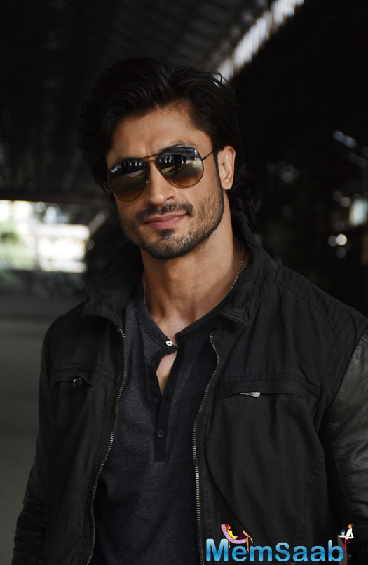 'The Commandos Are Doing Better Job This Time - You'll See Better Action, Storyline Is Better; We're Spending A Lot Of Money This Time, Several People Have Faith In It; Everything Is Better And Bigger,' Vidyut added.