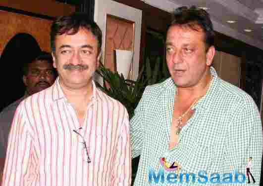 Sanjay Dutt also makes a special appearance in his own biopic, which, directed by Rajkumar Hirani, it will feature Ranbir Kapoor as the actor.