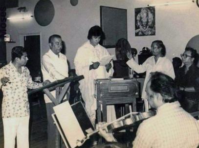RD Burman, beloved for the soundtracks of other films such as Yaadon Ki Baraat and Hum Kisise Kum Nahin, composed several popular songs sung by Lata Mangeshkar, Mohammed Rafi, Asha Bhosle and Kishore Kumar.