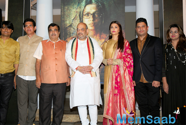 Aishwarya Rai, BJP President Amit Shah and Mr. Nitin Gadkari at first poster launch of film 'Sarbjit'. The makers of Omung Kumar's Sarbjit launched its first poster which showcased Aishwarya as Dalbir Kaur (Sarbjit's sister) yesterday.
