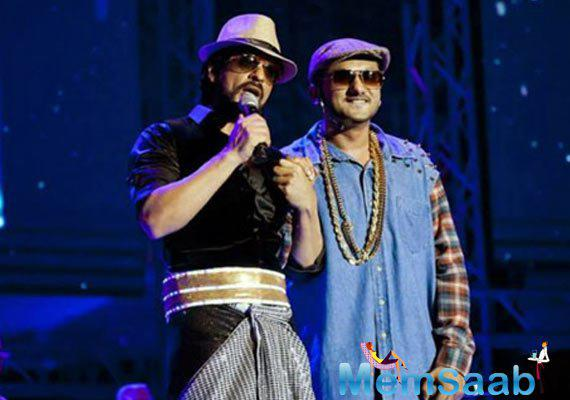 The singer also performed his hit number, 'Lungi dance' from star Shah Rukh's film 'Chennai Express.'