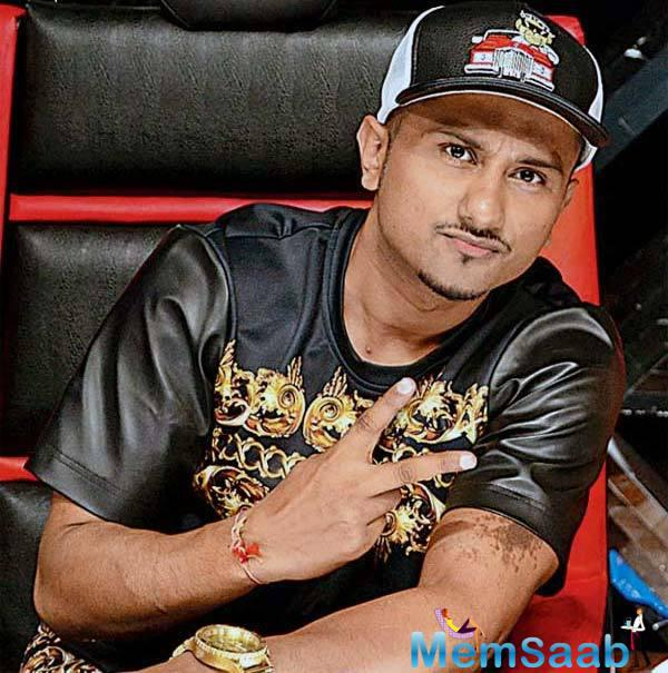 Singer Honey Singh made a first public appearance last night February 28, 2016, at a music awards event.