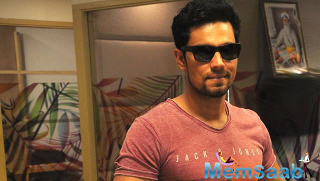 Randeep Hooda will soon be seen in Syed Ahmed Afzal's Yeh Laal Rang, which is all set to release next month.