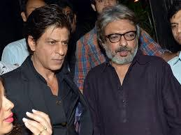 On the work front, SRK busy with his 2 most awaited movie Raees and Fans, which will be released this year.