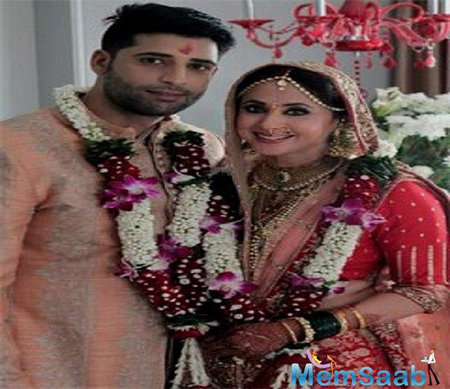The wedding was a low-key affair as Urmila's very close friend and popular fashion designer Manish Malhotra was present at the wedding.