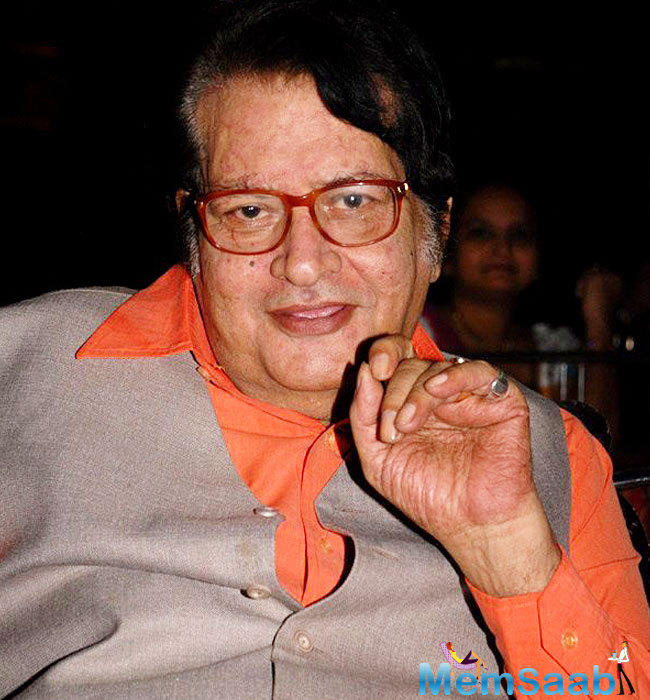 Last year, the Dadasaheb Phalke award was given to Shashi Kapoor. This year it will go for Manoj Kumar