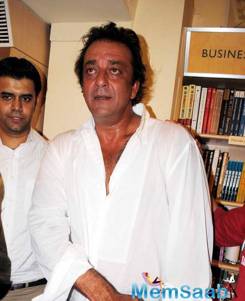 Sanjay Dutt turned poet in jail, he composed over  500 pairs, now he want's to  the assemblage of poems in the course of a script.