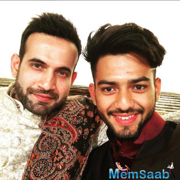 The young Indian star Unmukt Chand has a tight relation with Irfan Pathan and uploaded this selfie with him.