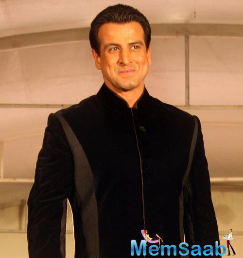 He was earlier a part of Deepa Mehta's Midnight's Children, and it will be a second international outing for Ronit Roy.