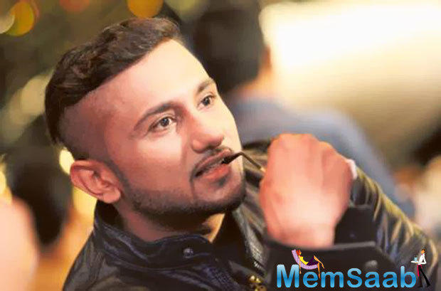 Reacting to his statement, Raftar, who is Badshah's close friend, had slammed Honey Singh calling him insecure.