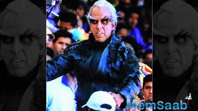That is one helluva makeover! It looks like Akshay Kumar, the Mr Bharat of recent times, has gone the whole hog to turn bad. A teaser of his character was revealed during the shoot of Rajinikanth's next film – 2.o by Tamil director Shankar.