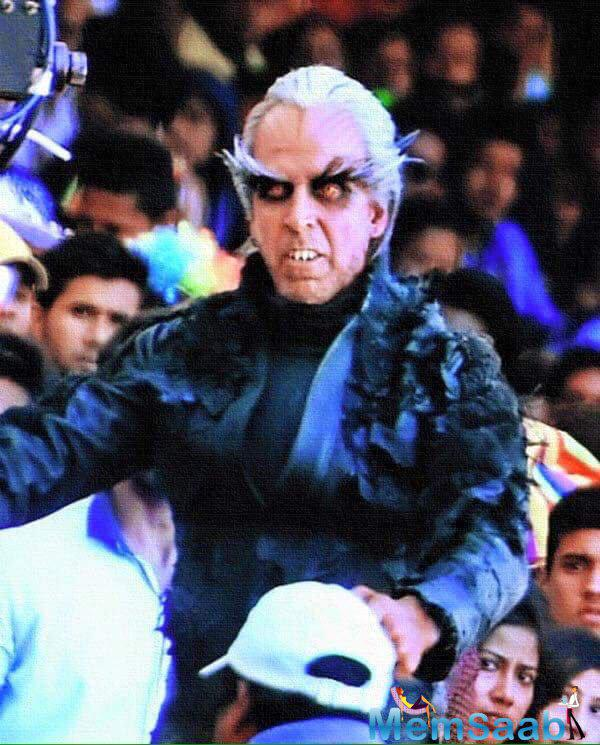 Take a look, Akshay Kumar, plays the evil scientist Dr Richard in the Rajinikanth starrer 2.o. Be suitably shocked! Akshay's deadly and dangerous look in 2.o.