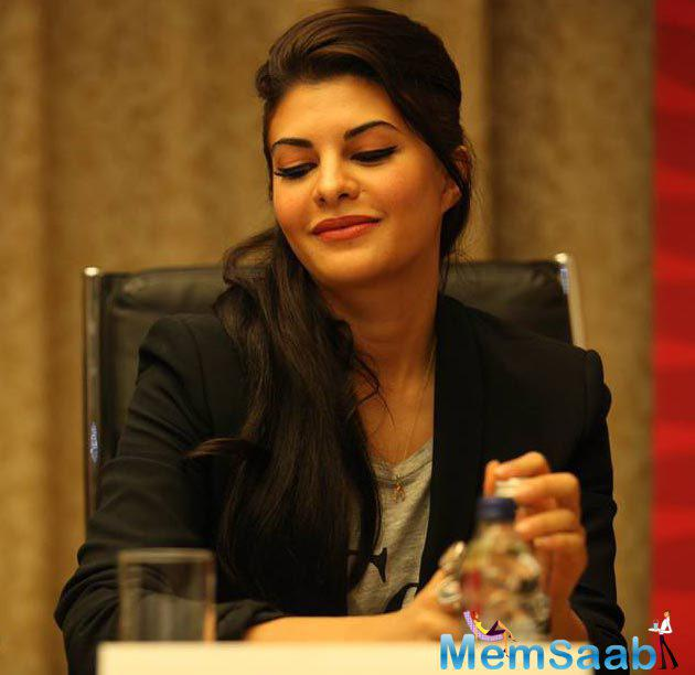 Jacqueline Fernandez to do school  visits for Tamil Nadu flood relief  and joined hands with an NGO, Habitat for Humanity, to help raise funds for the people.