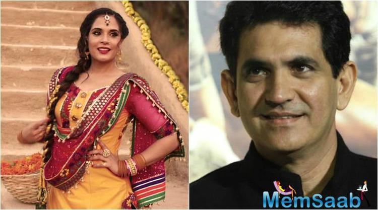 Actress Richa Chaddha even applied some mud on her director Omung Kumar while shooting.