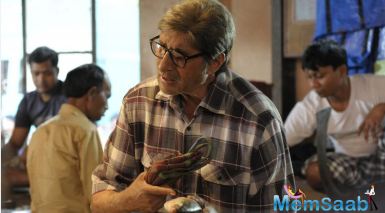 Around the same time last year, Amitabh Bachchan had shot in north Kolkata for 'Piku' while in 2010 Ghosh had captured Durga Puja, east India's biggest festival, in the Vidya-starrer 'Kahaani'.
