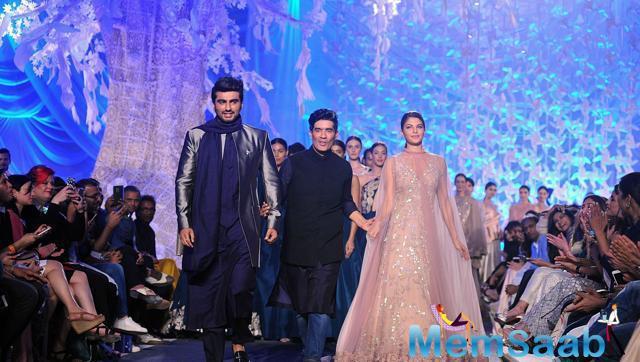 Jacqueline Fernandez and Arjun Kapoor showcase creations by designer Manish Malhotra at  Lakme Fashion Week Summer 2016 show in Mumbai.