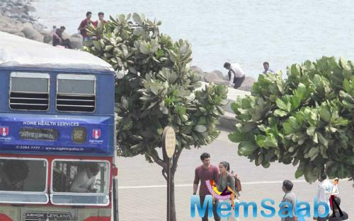 Take  a look, ex-lovers Aditya and Shraddha's shoot for another sequence of Ok Jaanu at Marine Drive