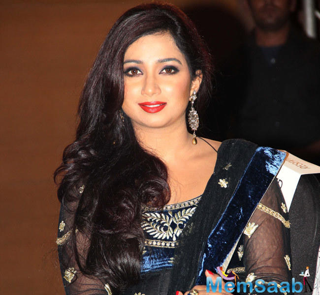 Singer Shreya Ghoshal, who recently won Filmfare Best Singer award for Deewani Mastani, has grabbed the maximum love for the song through the audience votes as well.