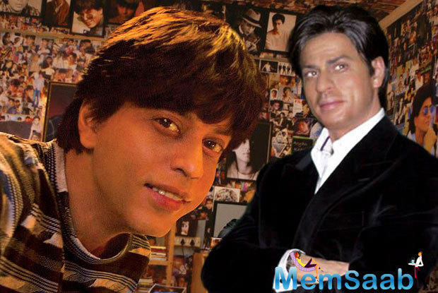 As forever, here's another Shah Rukh style unique promotion for his movie.