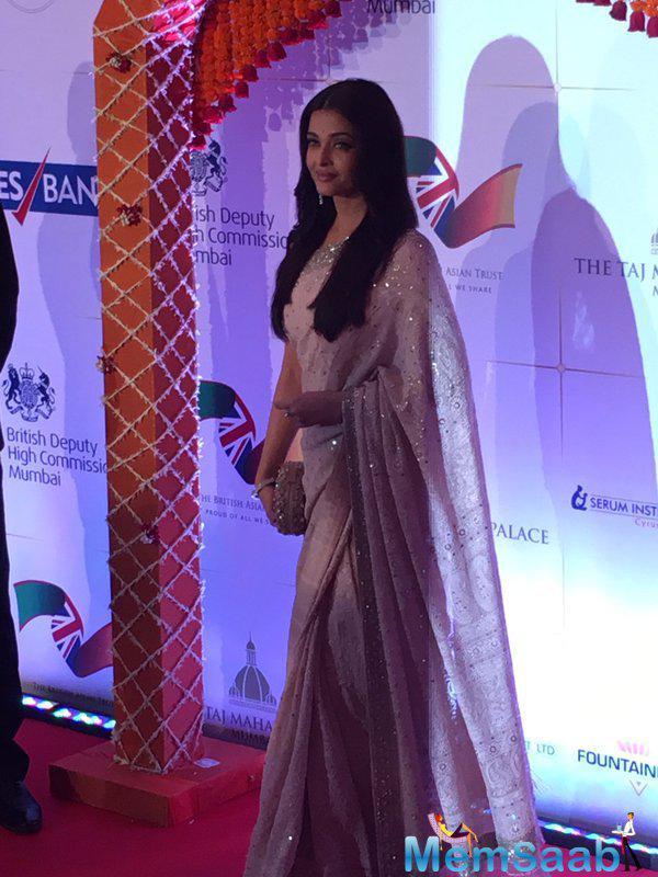 Aishwarya Rai Bachchan looked stunning in a saree at the dinner