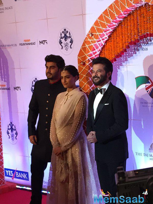 Fashionista Sonam in style arrived at royal gala dinner with her father Anil Kapoor and cousin Arjun