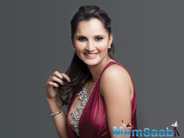 Apart from Aishwarya, tennis star Sania Mirza was also honoured at the NRI of the Year Award 2016.