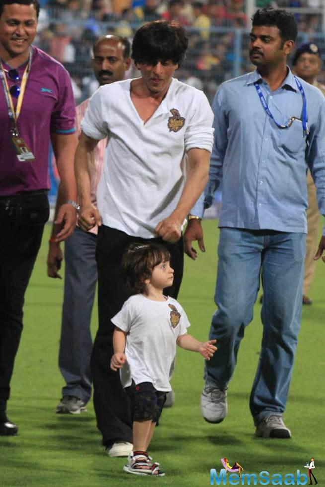 When inquired, who would be his choice to bet him on screen, SRK said, Aryan and Abram could be the alternatives.