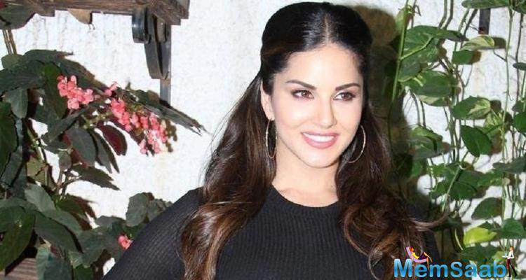 In the film 'One Night Stand', Tanuj Virwani plays the role of a guy obsessed with Sunny Leone.
