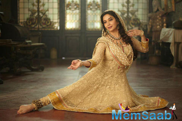 Madhuri, who last seen Dedh Ishqiya and Gulaab Gang, said that she is lucky that she has never come across such an obsessive admirer in her career.