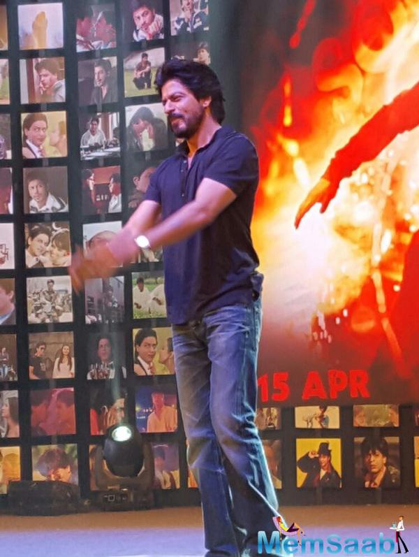 Shahrukh Khan, who played double role in Fan,  as superstar Aryan Khanna and his obsessed fan Gaurav, said the fan is dead in the film. So, I don't think there is any sequel to this movie.