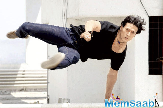 Tiger Shroff, who currently busy for the promotion of Bhaagi, said he is keen to star in the remake of the 1989 film Parinda starring his father Jackie Shroff.