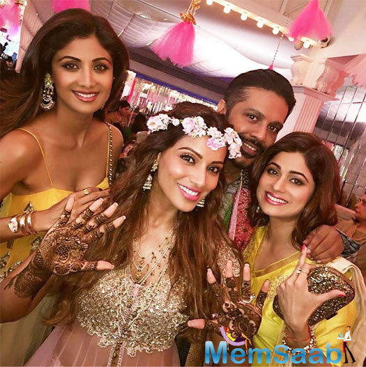 Bipasha Basu's best friend Shilpa attended the mehendi ceremony with her hubby and sis Shamita Shetty