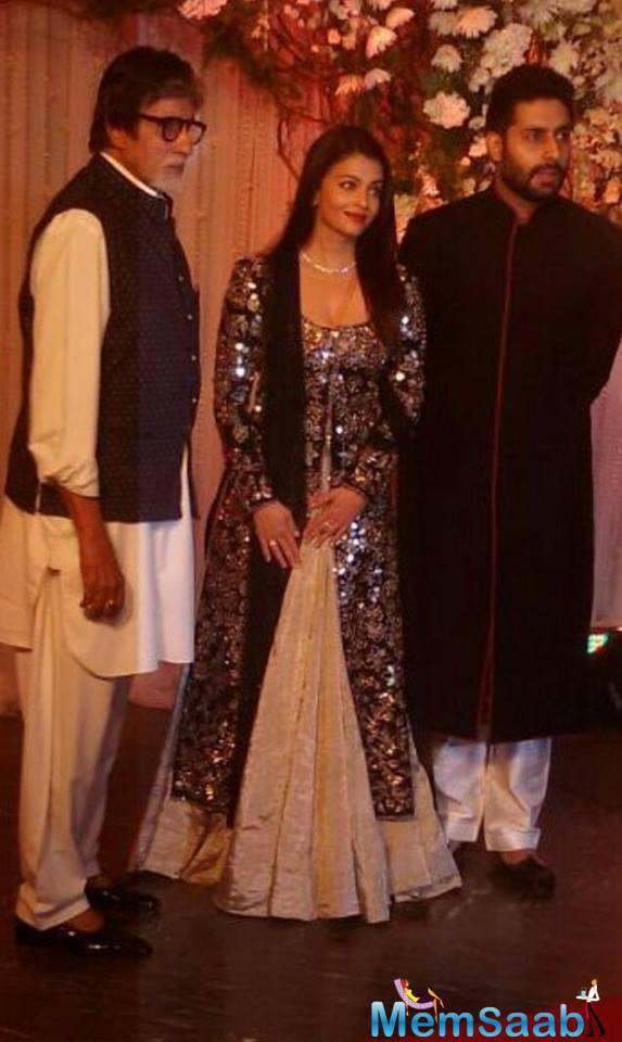 The Bachchan family posed  together, The family that created maximum mayhem at the red carpet was the Bachchan clan as the entire hotel gathered to catch a glimpse of Big B, Aishwarya and son Abhishek.