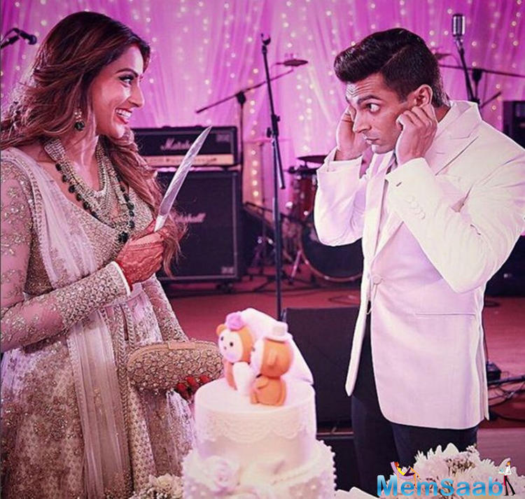 Bipasa Basu tied the knot with Karan, 34, in this evening in a traditional Bengali wedding ceremony that  was followed by a grand Bollywood style reception. Here's a look at everything that went on at the #monkeywedding.