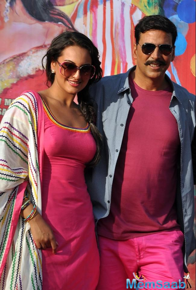 Sonakshi Sinha, who currently busy with her upcoming flicks,  Akira and Force 2, now will be seen romancing with Akshay Kumar in Vipul Shah's Namastey England.